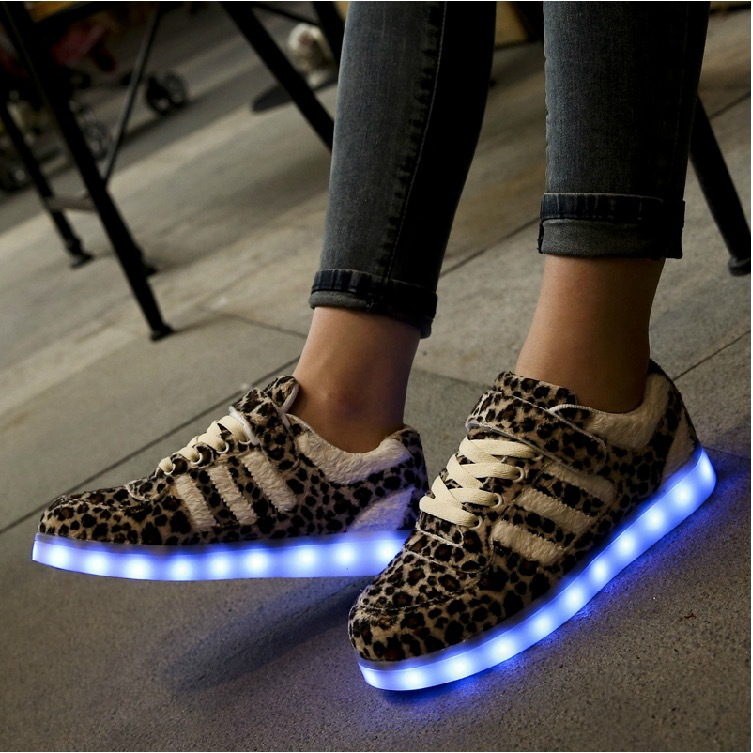chaussure lumineuse taille 28 chaussure lumineuse foot locker chaussure lumineuse aliexpress. Black Bedroom Furniture Sets. Home Design Ideas